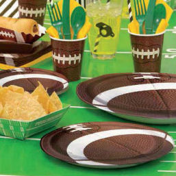 football plates and cups with football field table cloths and accents